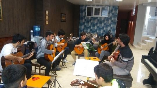 آموزشگاه موسیقی خنیاگر- هوچین