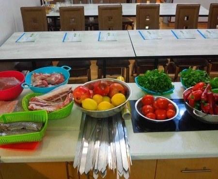 آموزشگاه آشپزی و شیرینی پزی سفره ایرانی- هوچین