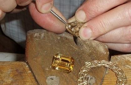 آموزشگاه طلا و جواهر سازی زرافشان- هوچین