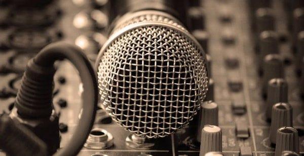 انجمن فن بیان و گویندگی - هوچین