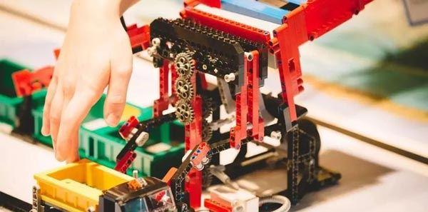 آموزشگاه رباتیک لگو-هوچین