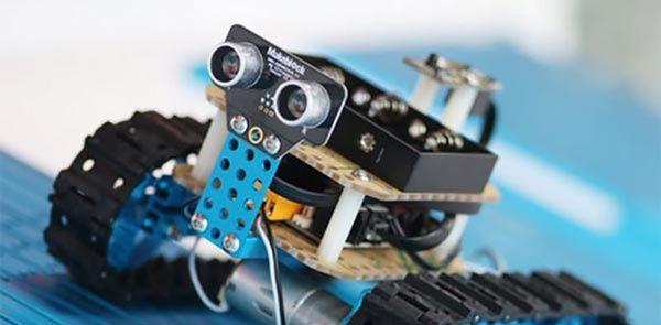 آموزشگاه رباتیک پارسان الکتریک-هوچین