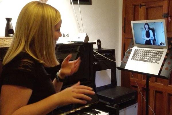 آموزشگاه موسیقی آنلاین وب نوازان-هوچین
